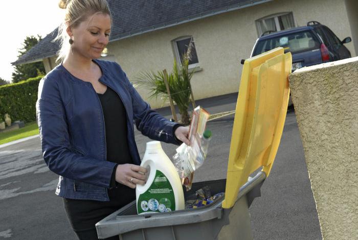 Collecte déchets recyclables bac jaune (LA-S.Cuisset)