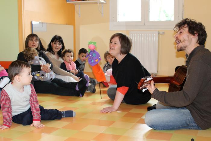 Atelier éveil musical avec les assistantes maternelles au RIPAME de Quéven (mars 2016)