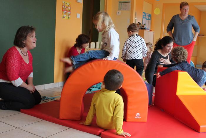 Atelier motricité avec les assistantes maternelles au RIPAME de Quéven (nov 2015)