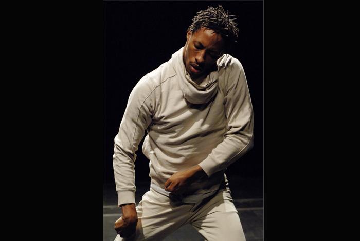 Performance dansée M. vs Itinéraires graphiques