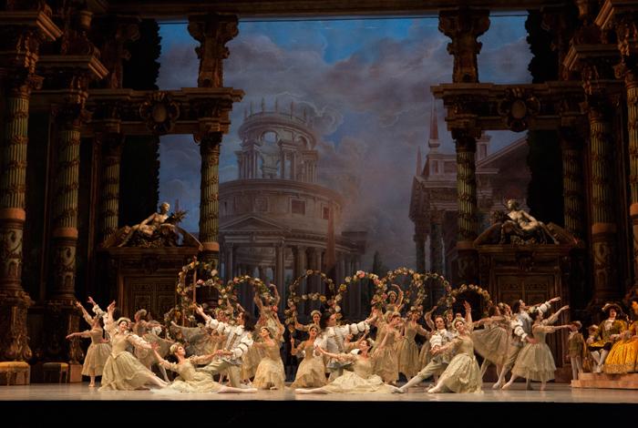 (c)-Sébastien-Mathé---Opéra-national-de-Paris