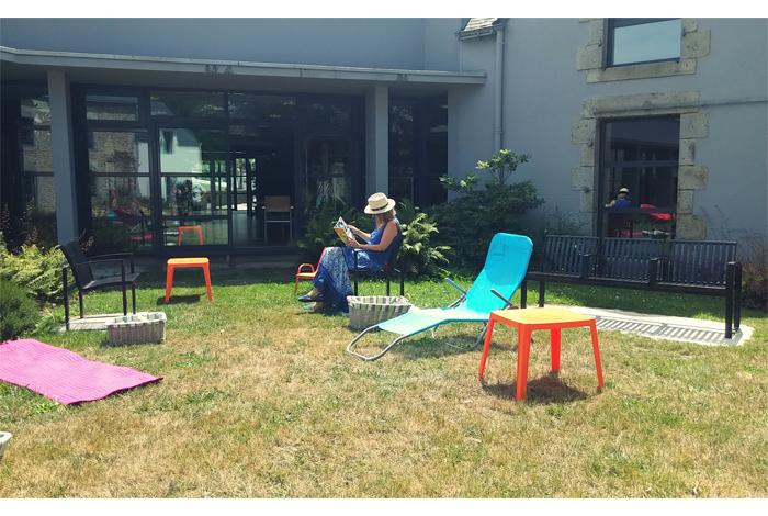 Lire au jardin