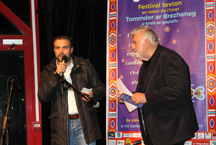 Marc Boutruche, maire de Quéven (à gauche) et Lucien Gourong