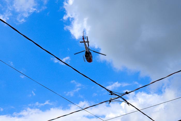 Survol des lignes électriques