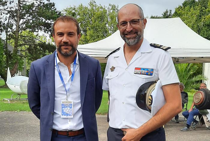 M. Le Maire Marc Boutruche et le Commandant de la base Jean-Christophe Turret